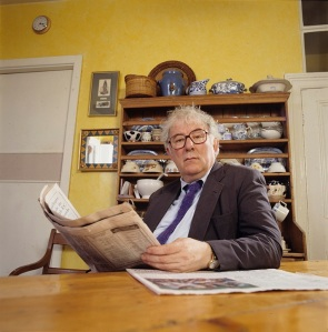 "Seamus Heaney at home in Dublin, bh002368, MS.2001.039, <a href=""http://www.bc.edu/sites/libraries/hanvey/index.html"">Bobbie Hanvey Photographic Archives</a>, John J. Burns Library, Boston College."