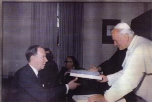Anthony Rhodes meeting Pope Saint John Paul II.